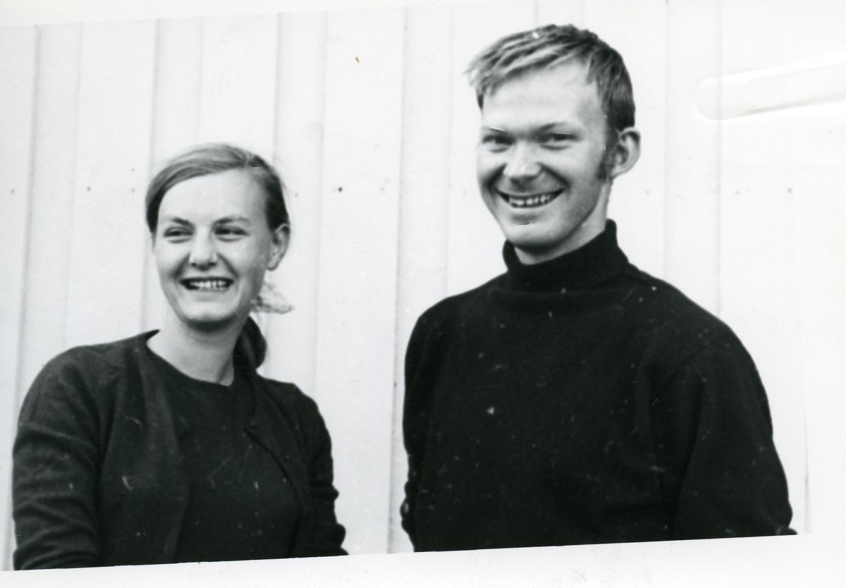 Portrett av Axel Johan Holt og Magnhild Sundli.