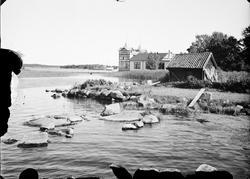 """""""Societetshuset från kallbadsviken"""", Östhammar, Uppland"""