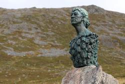 Byste av Knut Erik Jensen.