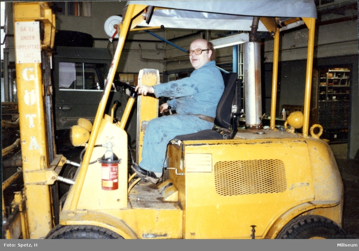 Fransson, Arne. Bilelektriker, MVJ. A 6.
