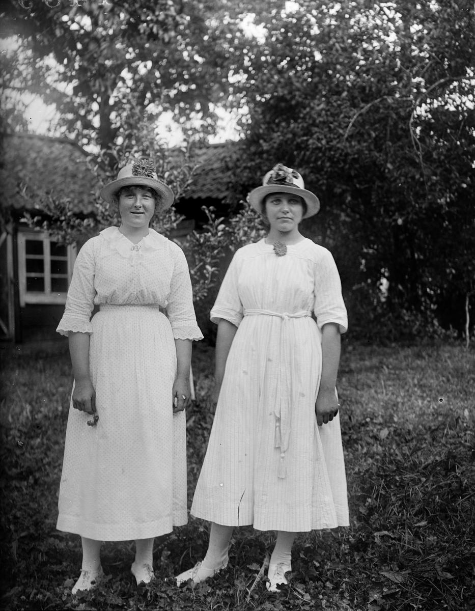 """""""Svenborg och Gunborg Anderson Kålsta"""", Uppland 1919"""