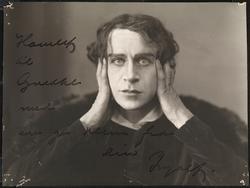 "Ingolf Schanche som ""Hamlet""."