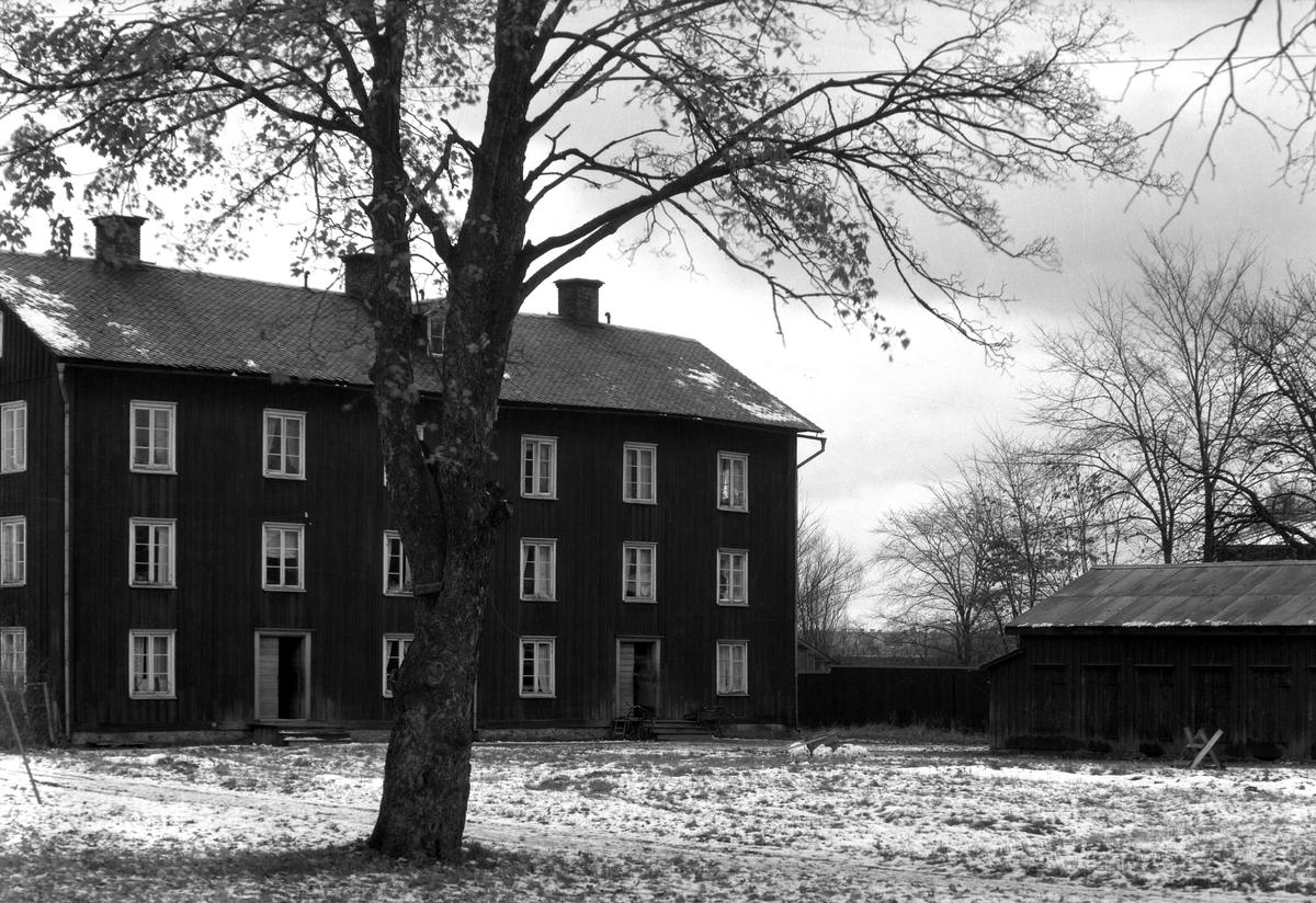 Trevåninga vid Östra Hyttan i Haga Byggnaden revs år 1946.
