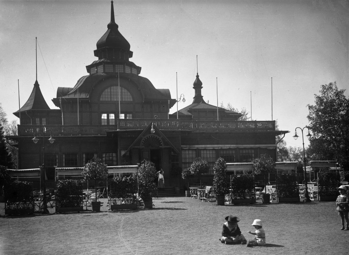 Restaurangen i Stadsträdgården ca år 1920.