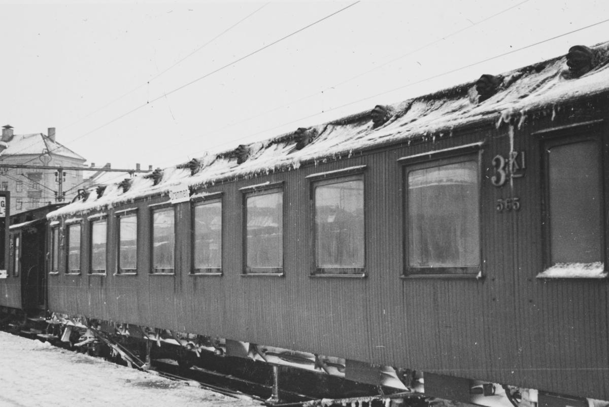 Tiliset personvogn på Oslo V.