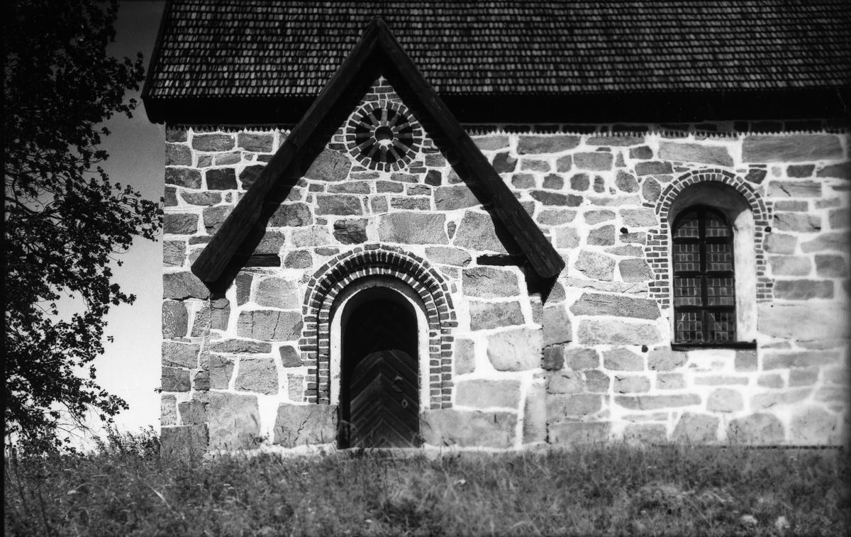 Kyrkan i Trönö.