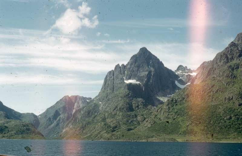 Fjord og fjell, Hvor