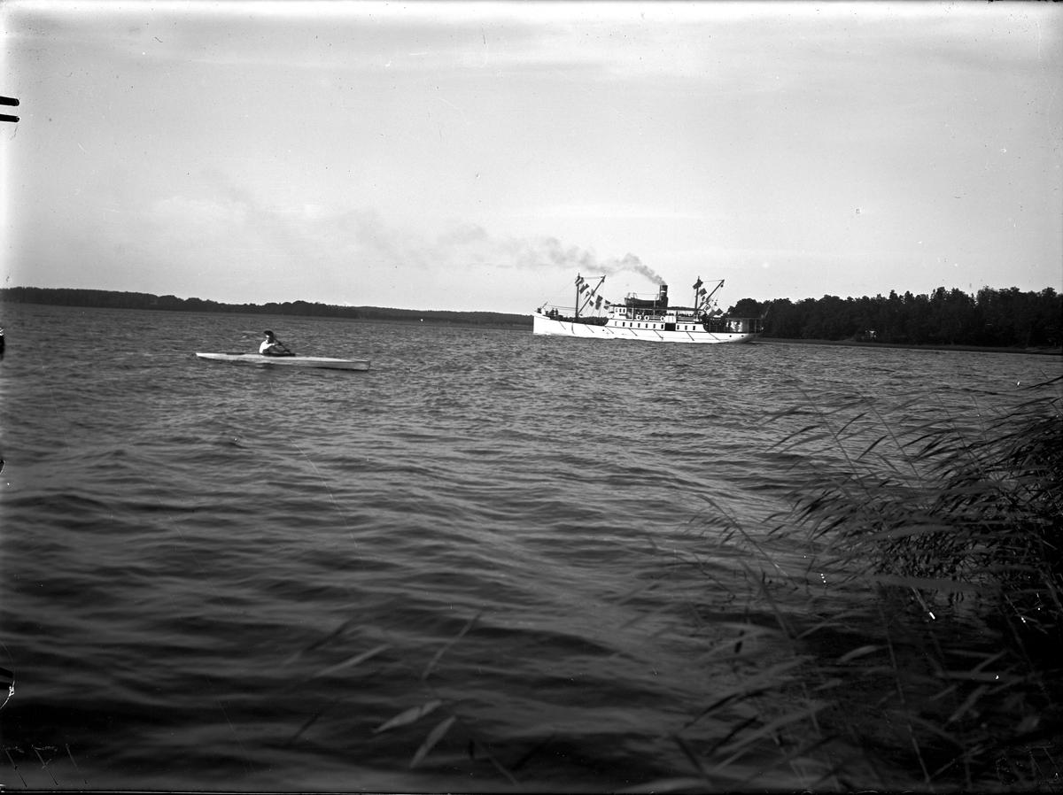 Ångfartyget Fenix. Fotograf E Sörman.