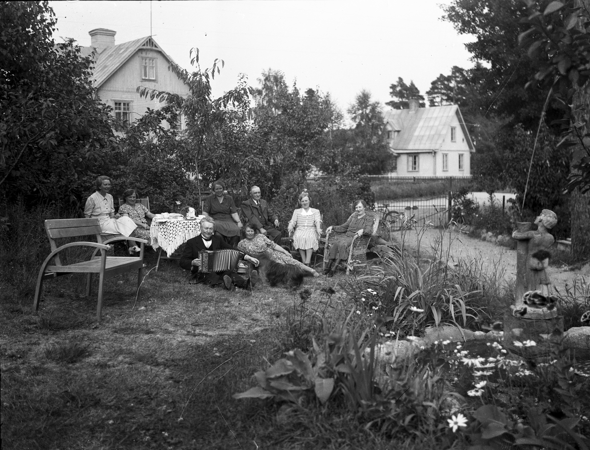 Samkväm i trädgården