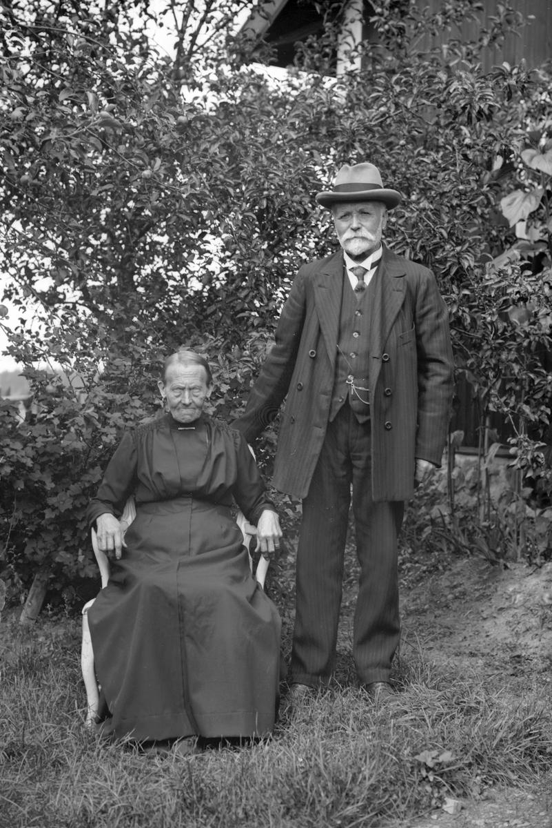 Jan Erik och Brita Stina Hedlund, Nyhyttan