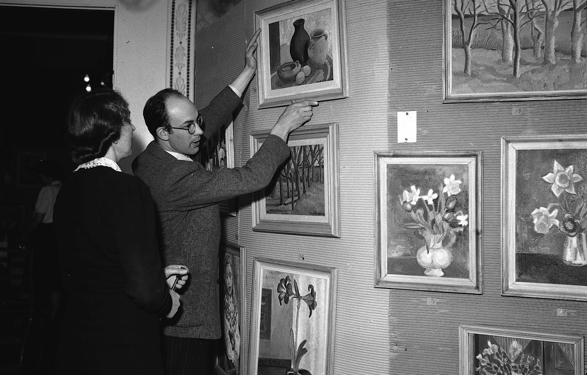 Hemgårdens utställning. Den 13 maj 1943