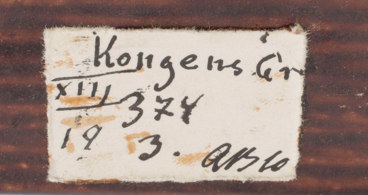 To prøver Etikett på eske: Kongens Gr. XIII 19 374 3. AB 10 (Arne Bugge?)