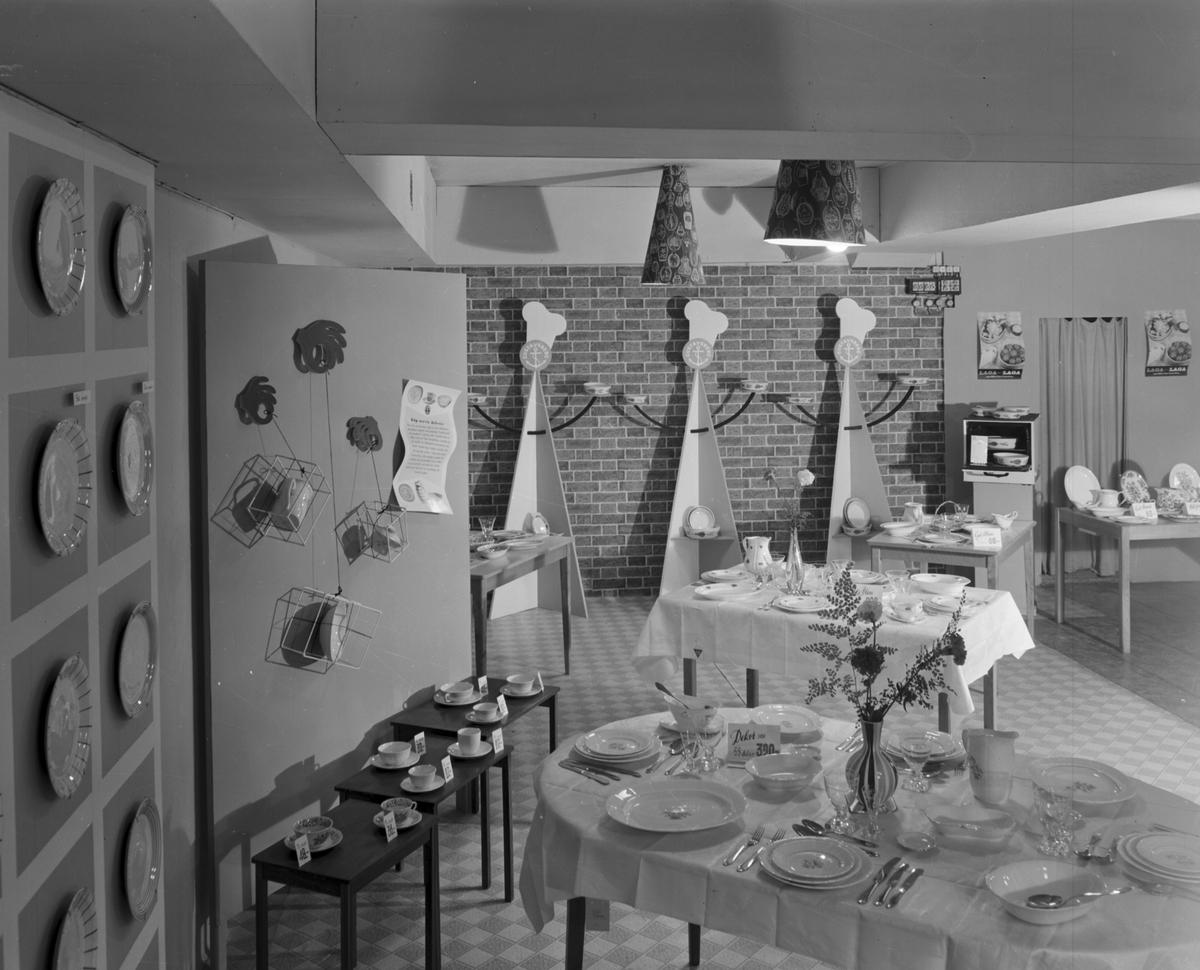 Konsum Alfa Varuhuset. Porslinsavdelningen. Den 27 Oktober 1949