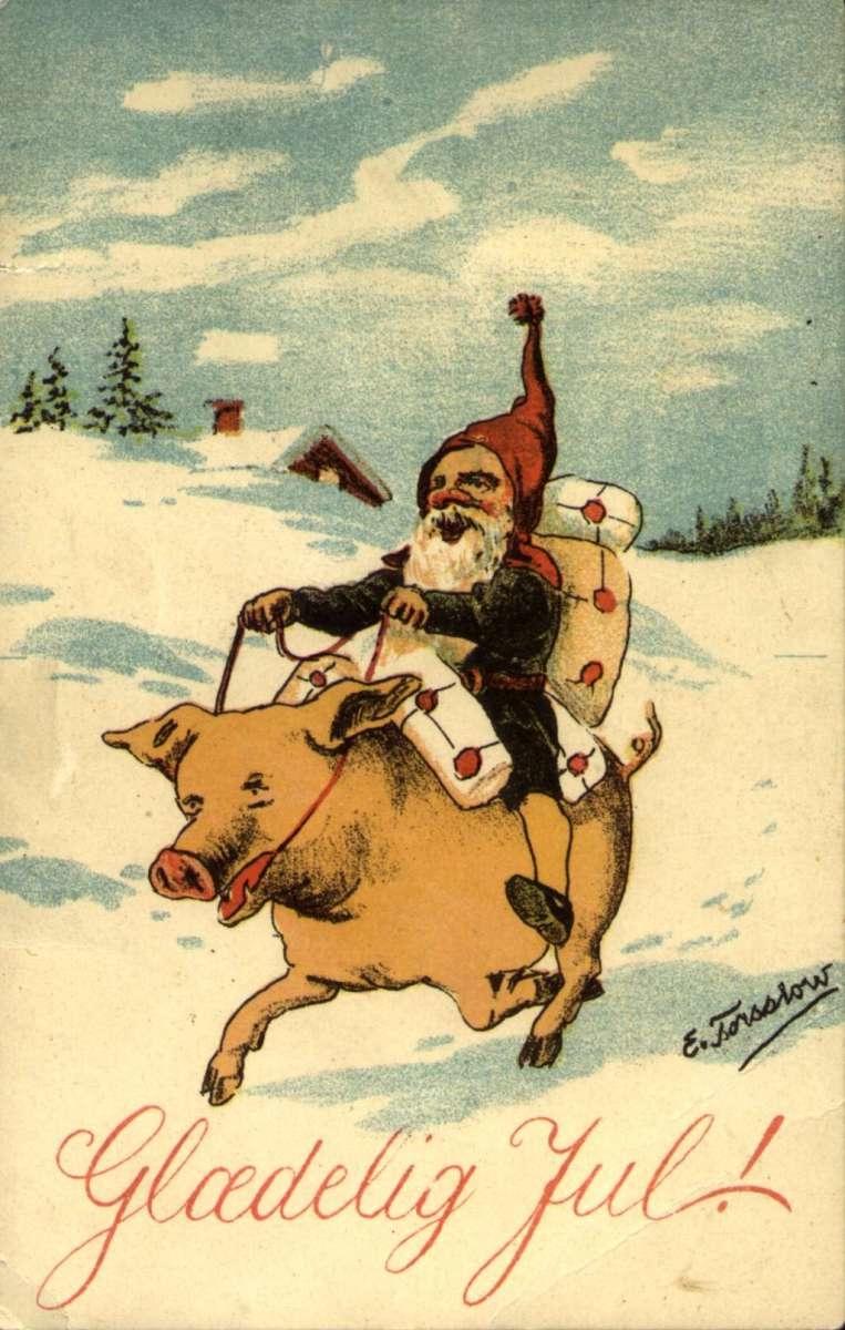 Julekort. Jule- og nyttårshilsen. Vinterlandskap. Julenisse med pakker rir på en gris. Illustrert av Einar Torsslow (1867-1932). Datert julen 1920.