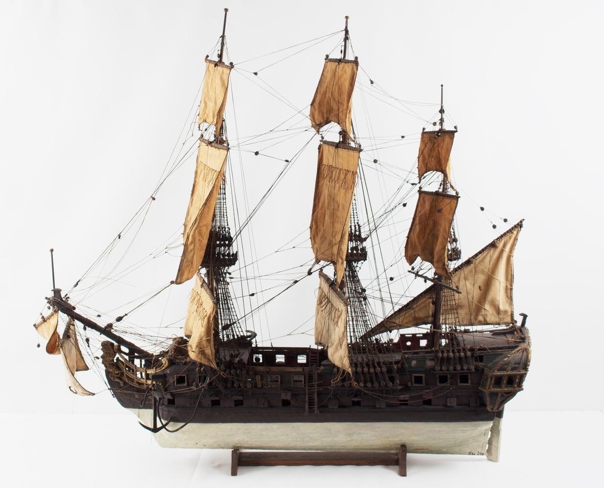 Rigget helmodell av det nederlandske orlogsskipet DELFTLAND.