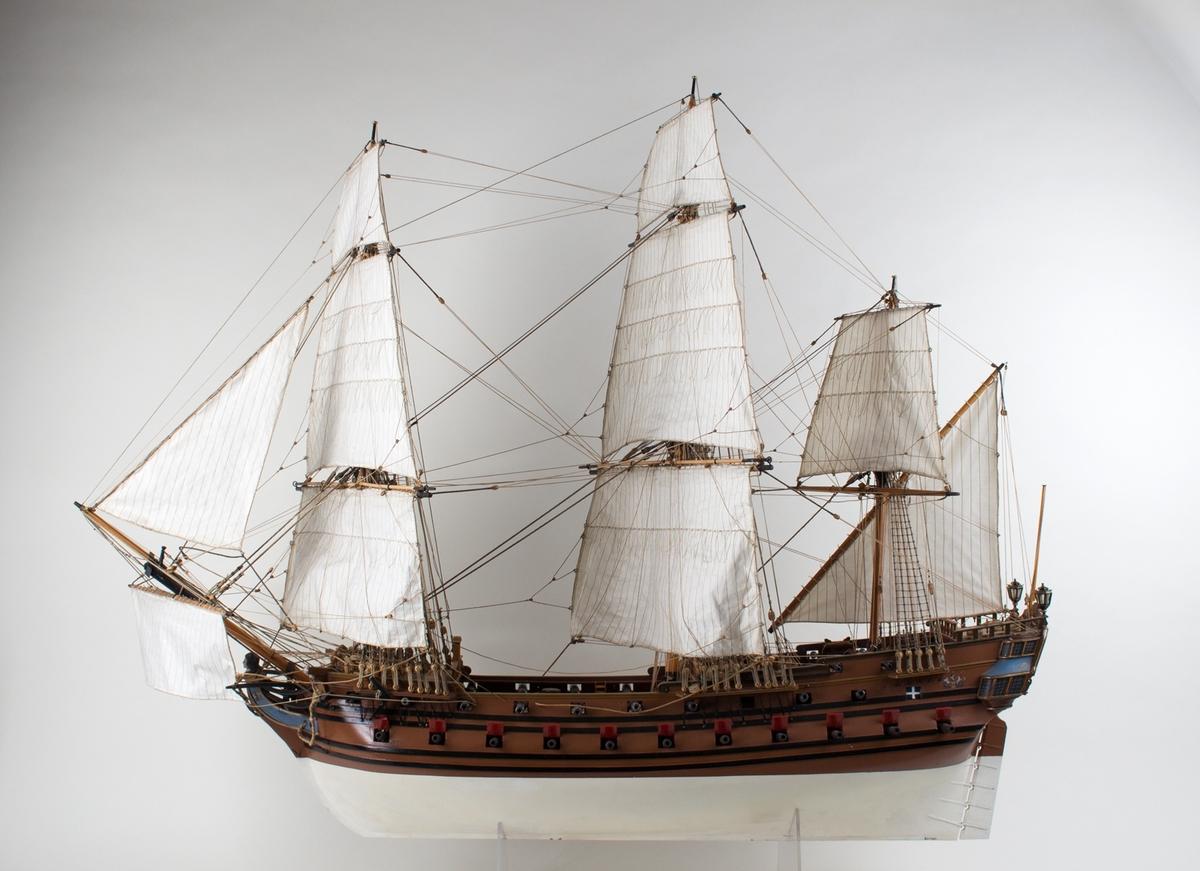 Helmodell av fullrigger fra ca 1720. Rigget og med seil, 46 kanoner. Målestokk  1:48.