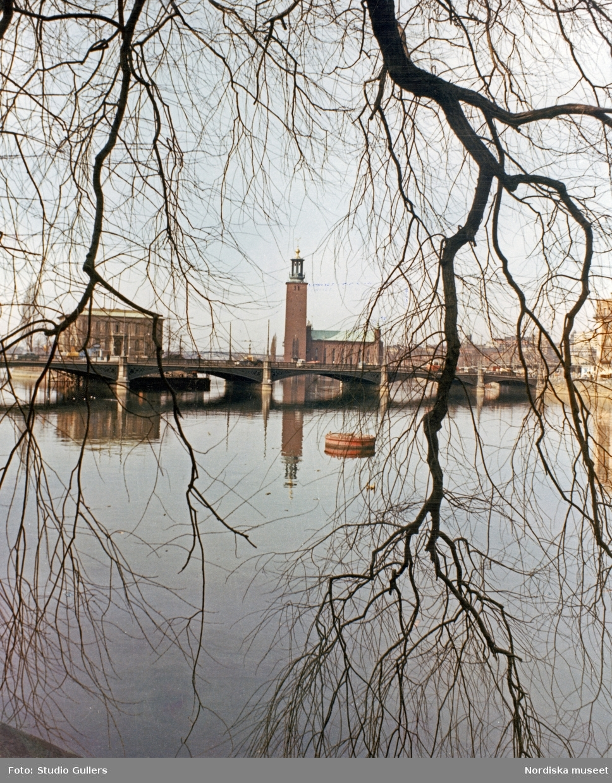 Stockholm. Vy över Norrström med Vasabron, Strömsborg och stadshuset i bakgrunden.