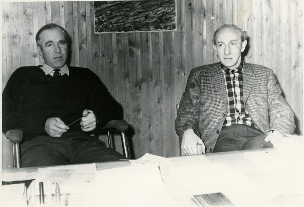 Disponent Inge Moland og tømmersjef Asle Strømmen.
