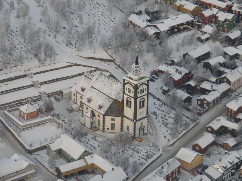 Røros kirke flyfoto