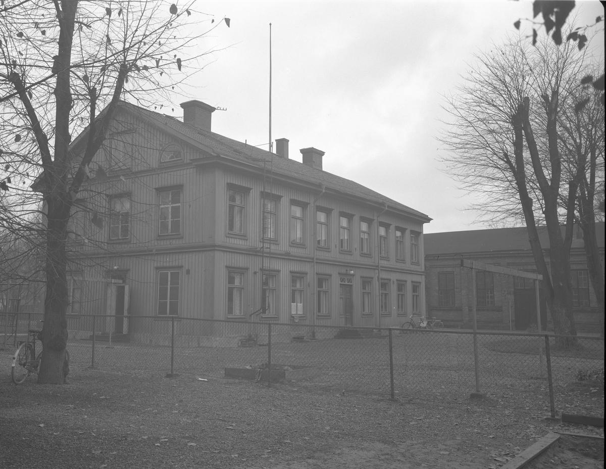 J. Isaksson & Co. Kassaskåpsfabrik, Bromma Stockholm. Exteriör från  Gavleverken AB. 13 oktober 1952.