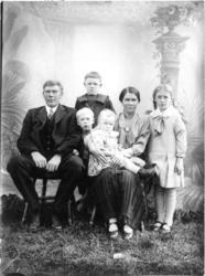 Anders Tidemansen (f. 1883) m.familie