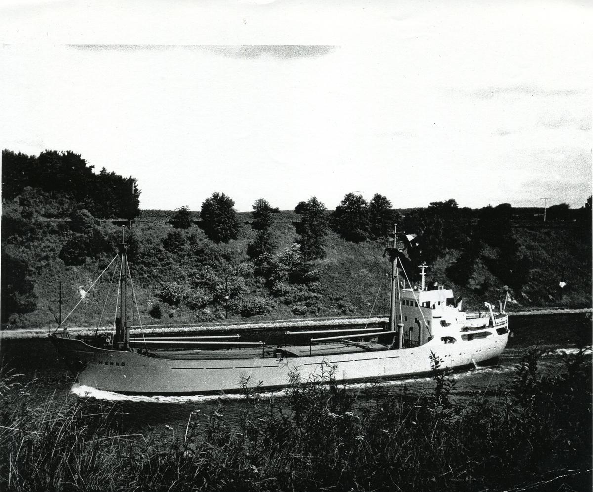 Lastfartyget ms Herrö ägt av Firma Gustaf Erikson 1958 - 1968