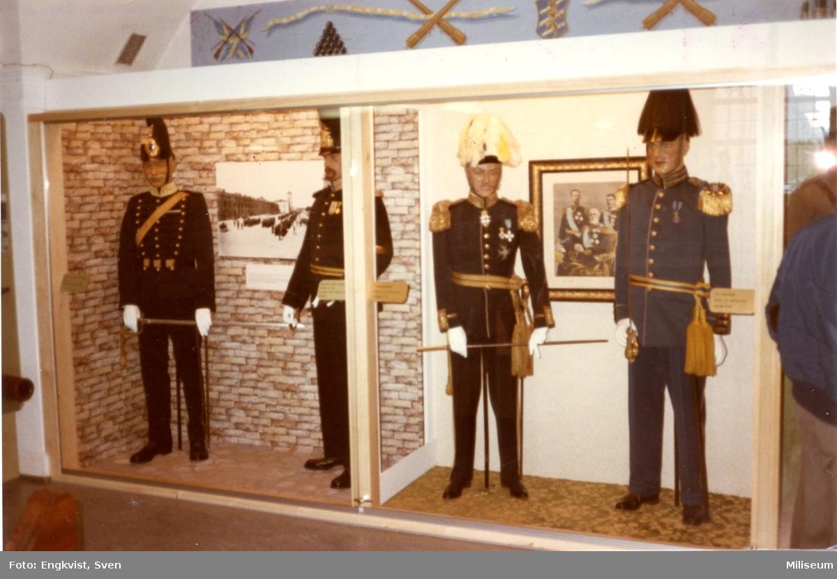 Muséum, Karlsborg. Uniformer m/ä, officerare.