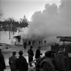 Esso bensinstation som låg norr om Tivolibron på Norrmalm br