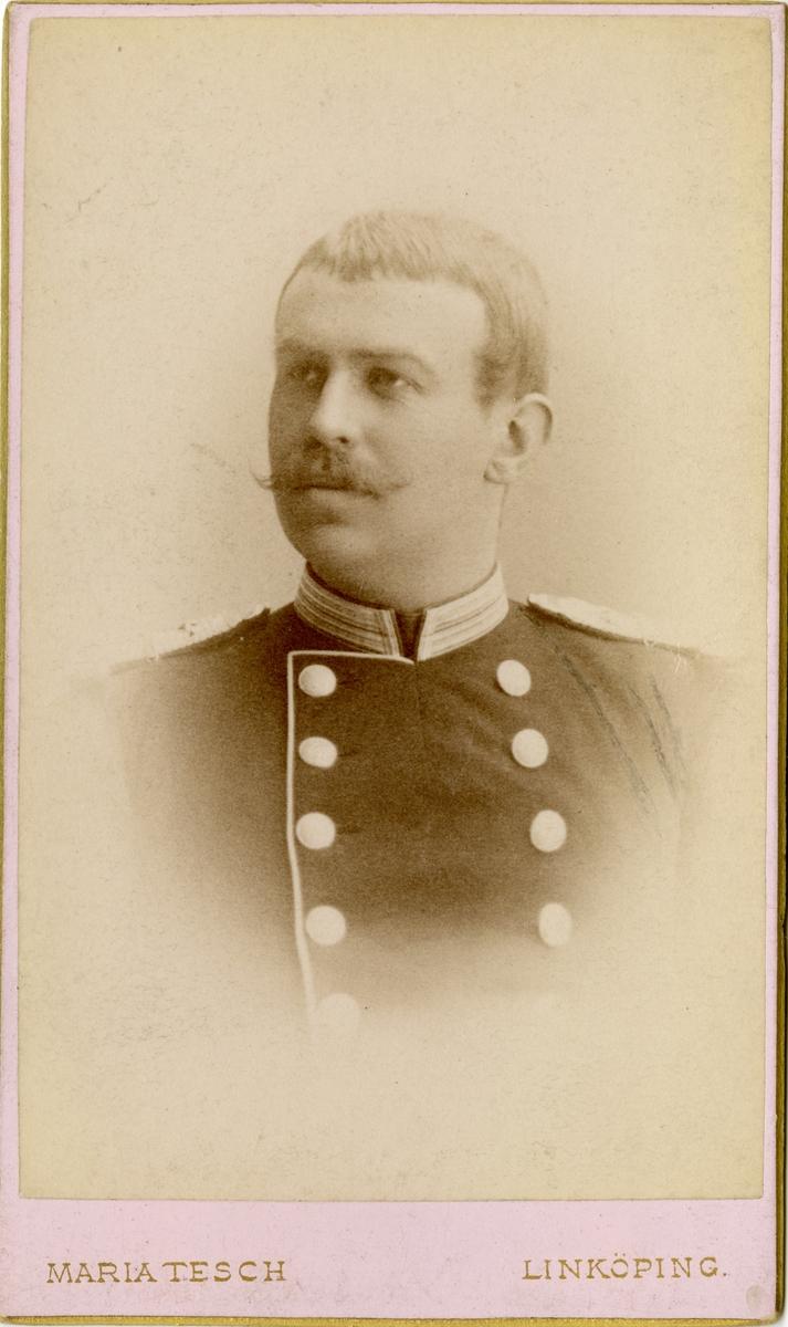 Porträtt av Daniel Magnus Fredrik Björkman, officer vid livgrenadjärregemente.