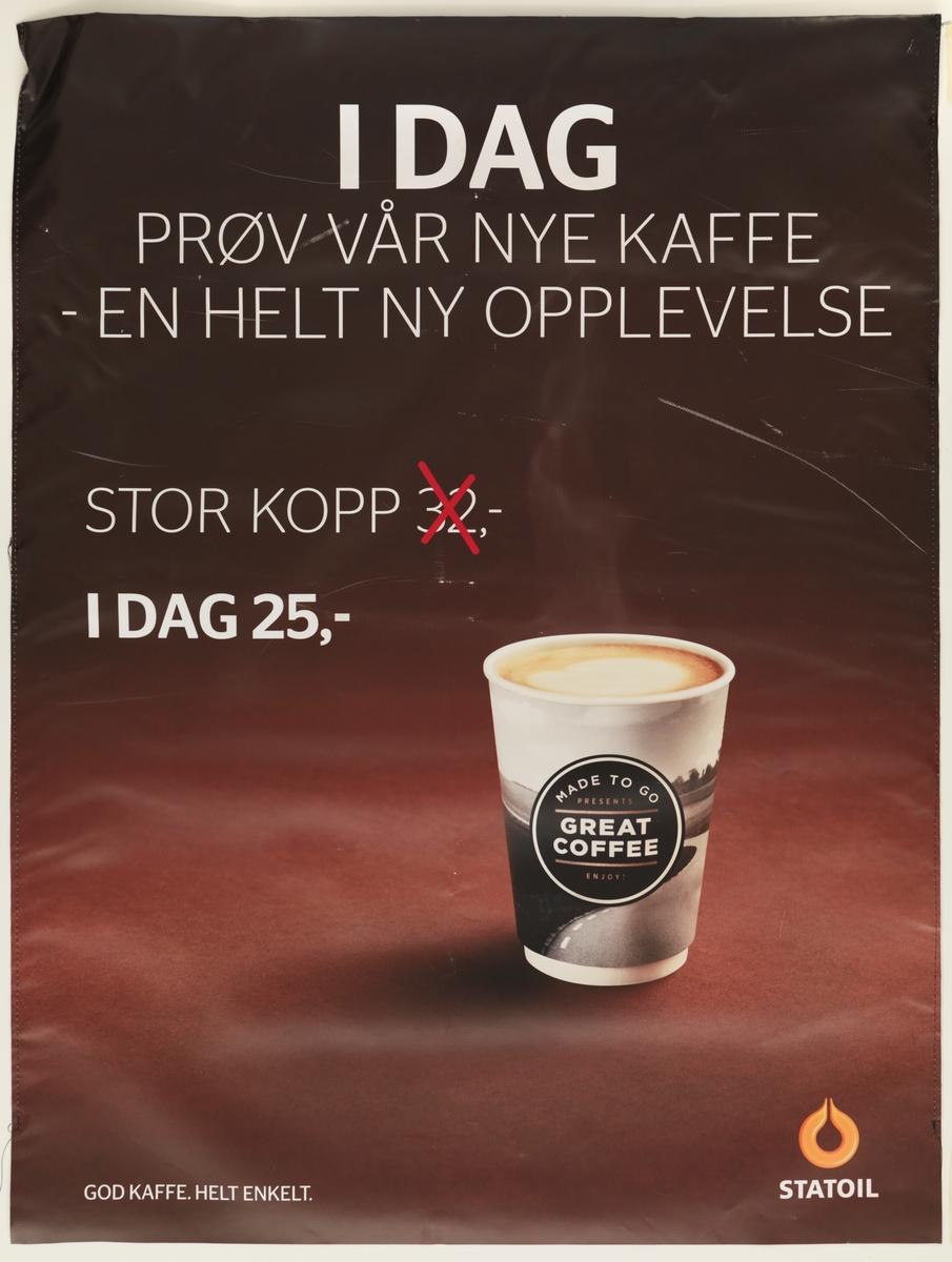 Et papirbeger med kaffe. På begeret står det Made to go presents Great Coffee enjoy
