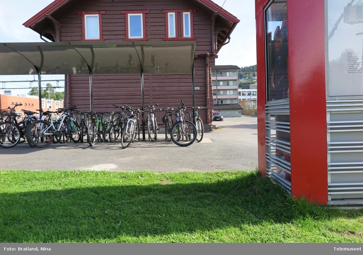 Kjelsåskiosken et prøverom ved Telemuseet på Kjelsås jernbanestasjon