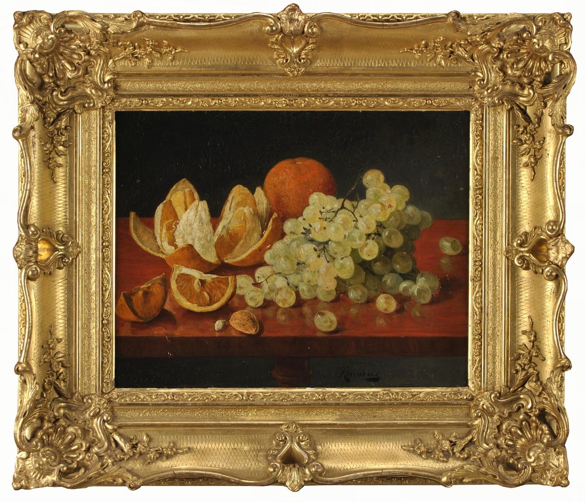 Målning av August Jernberg. Stilleben med vindruvsklase.  Bred guldram.