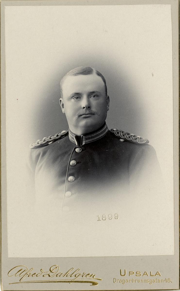 Porträtt av Gustaf August Toll, löjtnant vid Upplands regemente I 8.