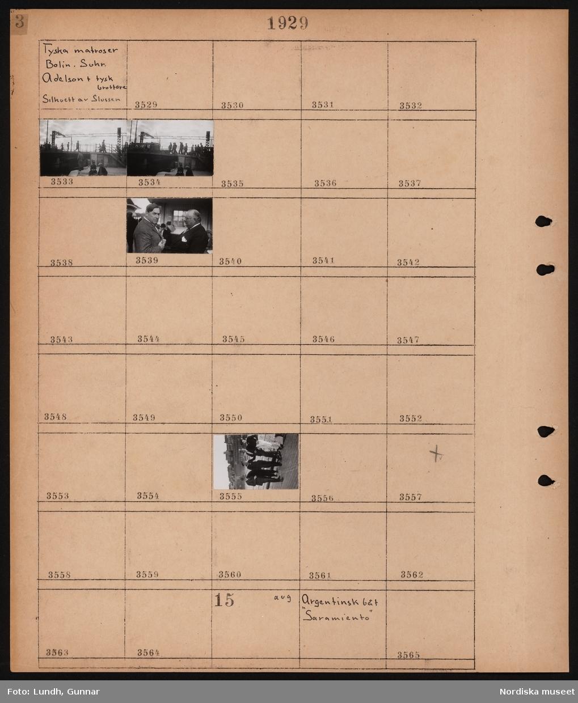 """Motiv: Tyska matroser, Bolin, Suhr, Adelson + tysk brottare, Silhuett av slussen; Siluett av fotgängare, matroser med civilklädda män.  Motiv: Argentinsk båt """"Saramiento""""; Ej kopierat."""