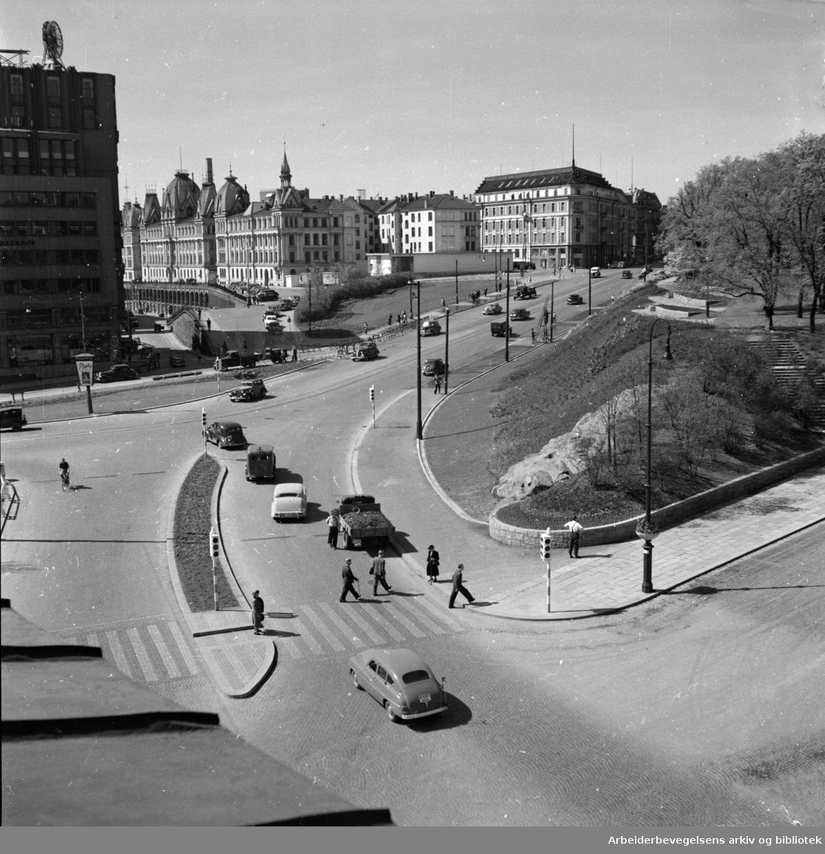 Trafikk på Abelhaugen. Desember1954