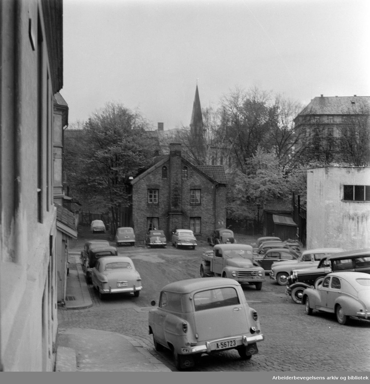Chr. Krohgs gate 48. Fredet hus ved Akerselva. Oktober 1958