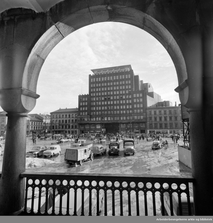 Folketeaterbygningen, mars 1961.