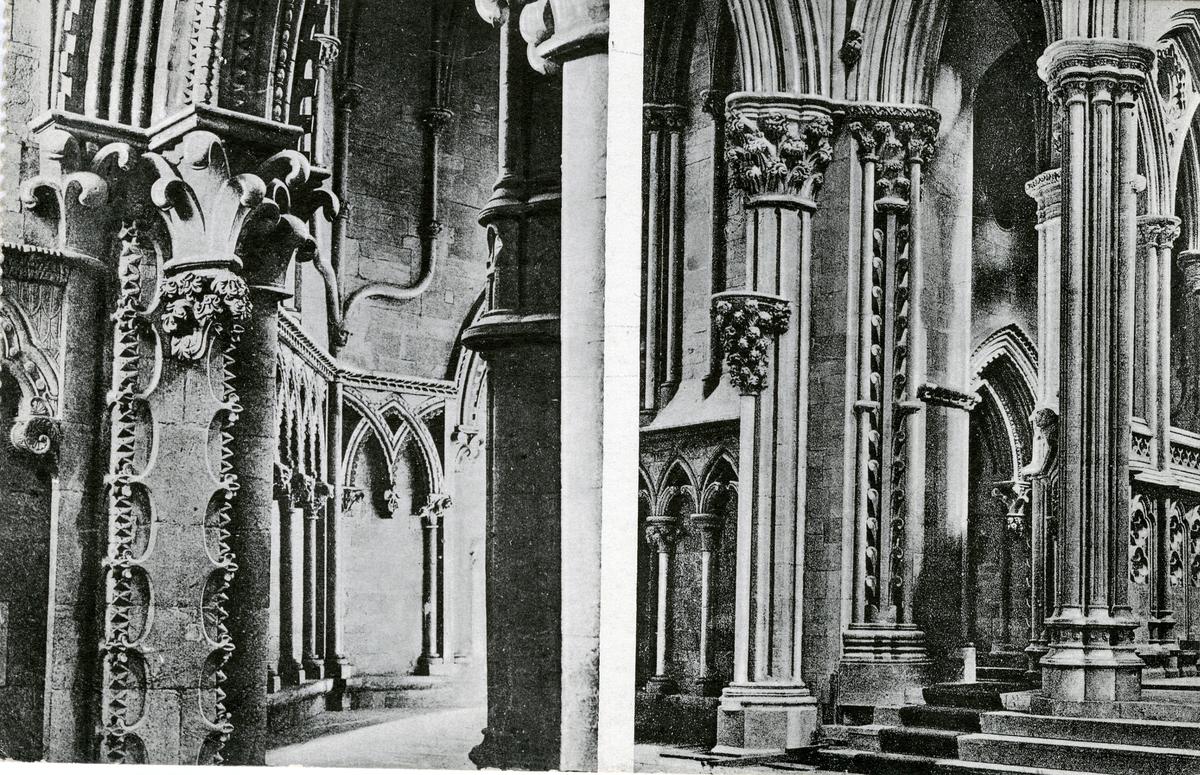 Koromgangen i Nidarosdomen. Postkort fra 1917.