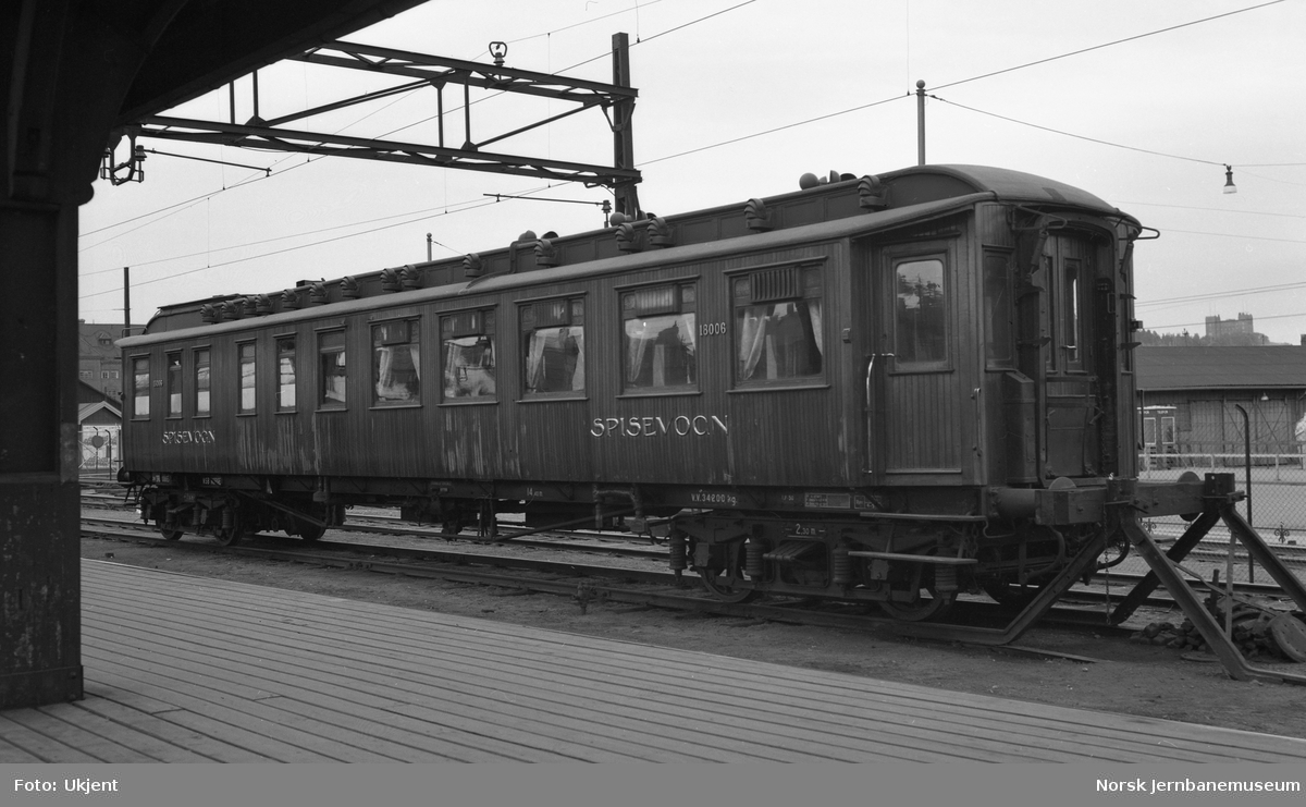 Restaurantvogn litra Eo nr. 18011 på Oslo Ø