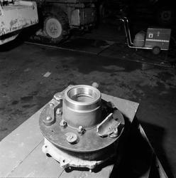 Defekt og skrukket bremsesylinder for Allise-C truck.