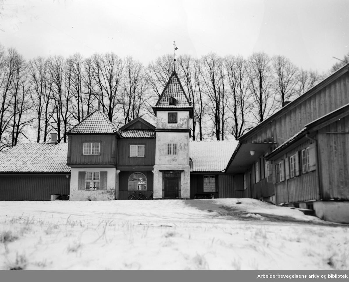 Nordre Skøyen Hovedgård. Desember 1949