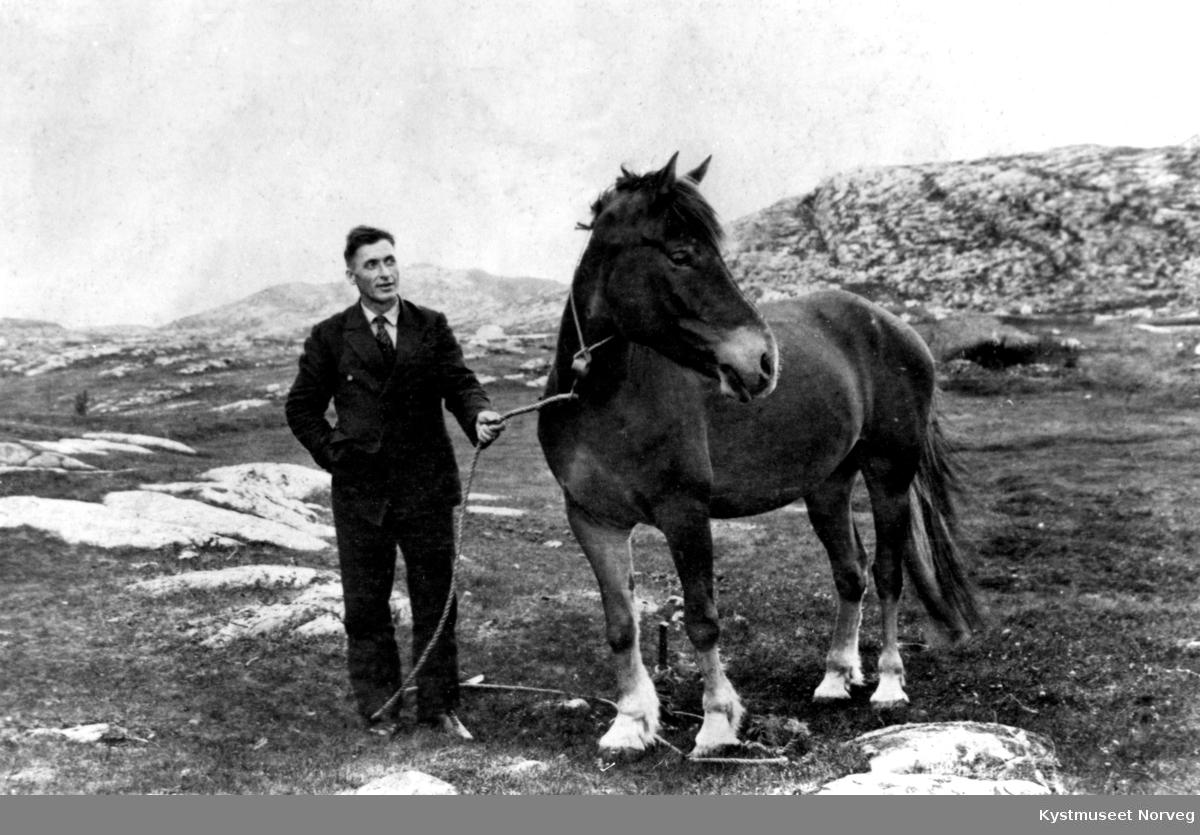 Toralf Storsul med hest