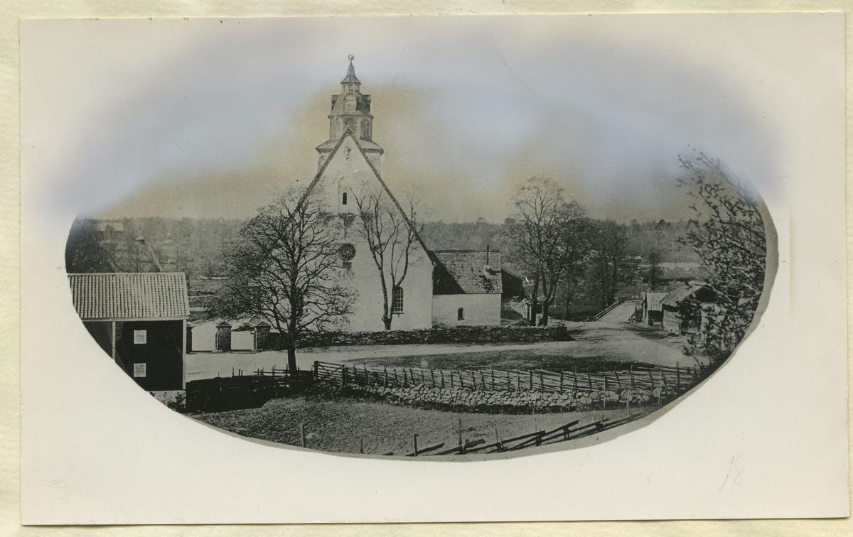 Högsby kyrka innan ombyggnaden.