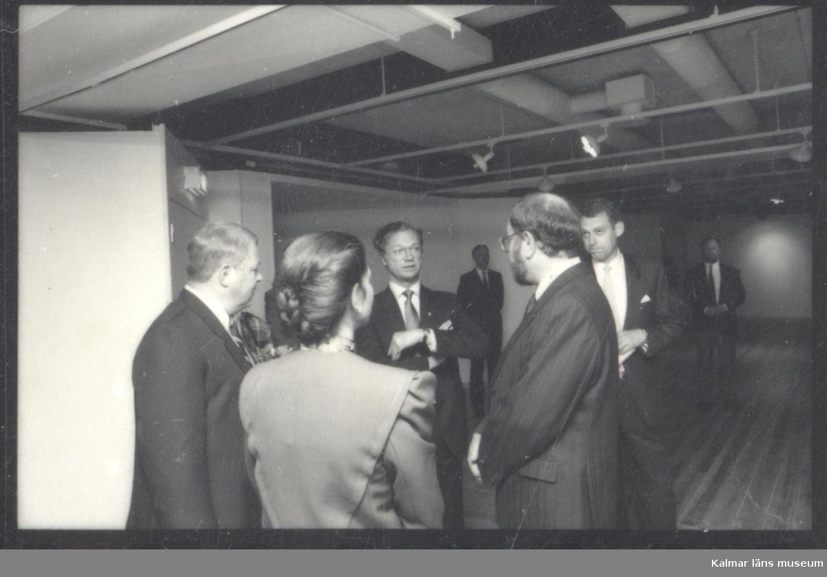 Kungaparet i samspråk med Dag Widholm. Invigning av nya länsmuseet den 17 juni 1987.