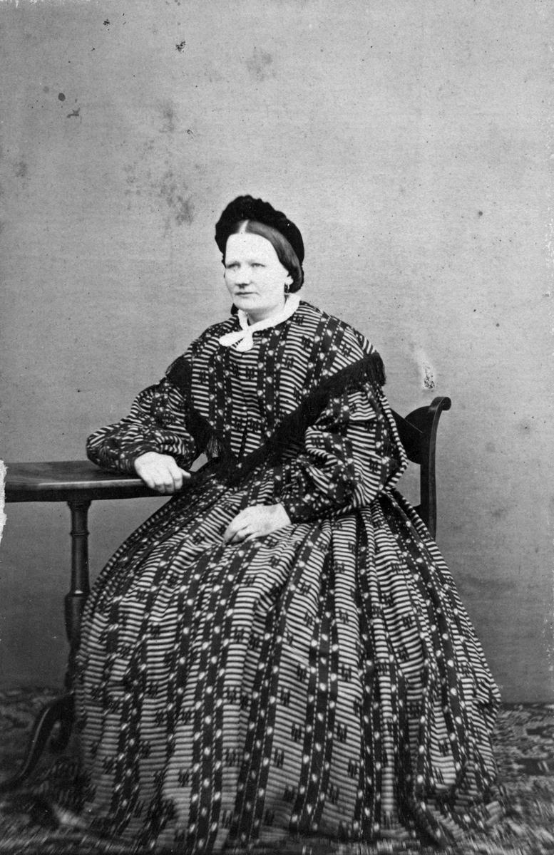 Fru Råberg, 1860-tal (gift med J.P. Råberg)