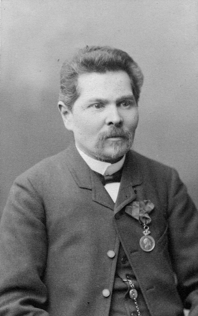 Axel SvanströmBokhållare hos Hofgrens Eftr.)