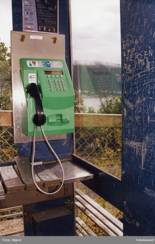 Telefonkiosker hærverk