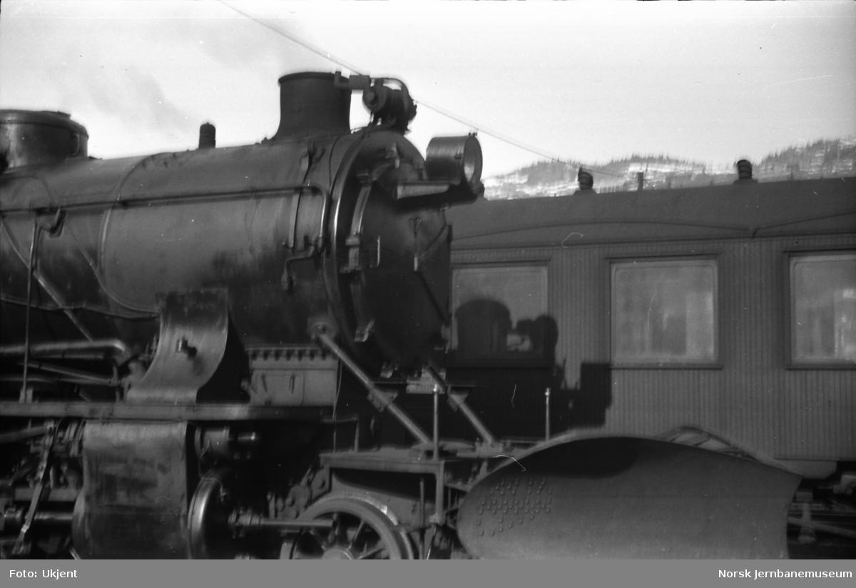 Damplokomotiv type 39a nr. 168 - frontparti