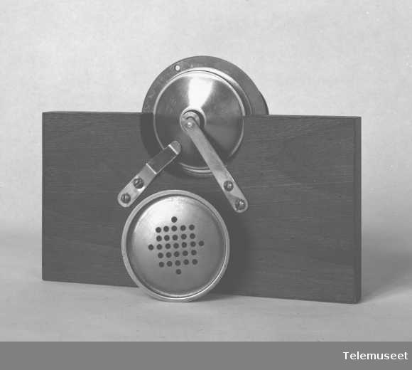 Telefonutstyr, mikrofoner, kapselmikrofon. 15.9.14. Elektrisk Bureau.