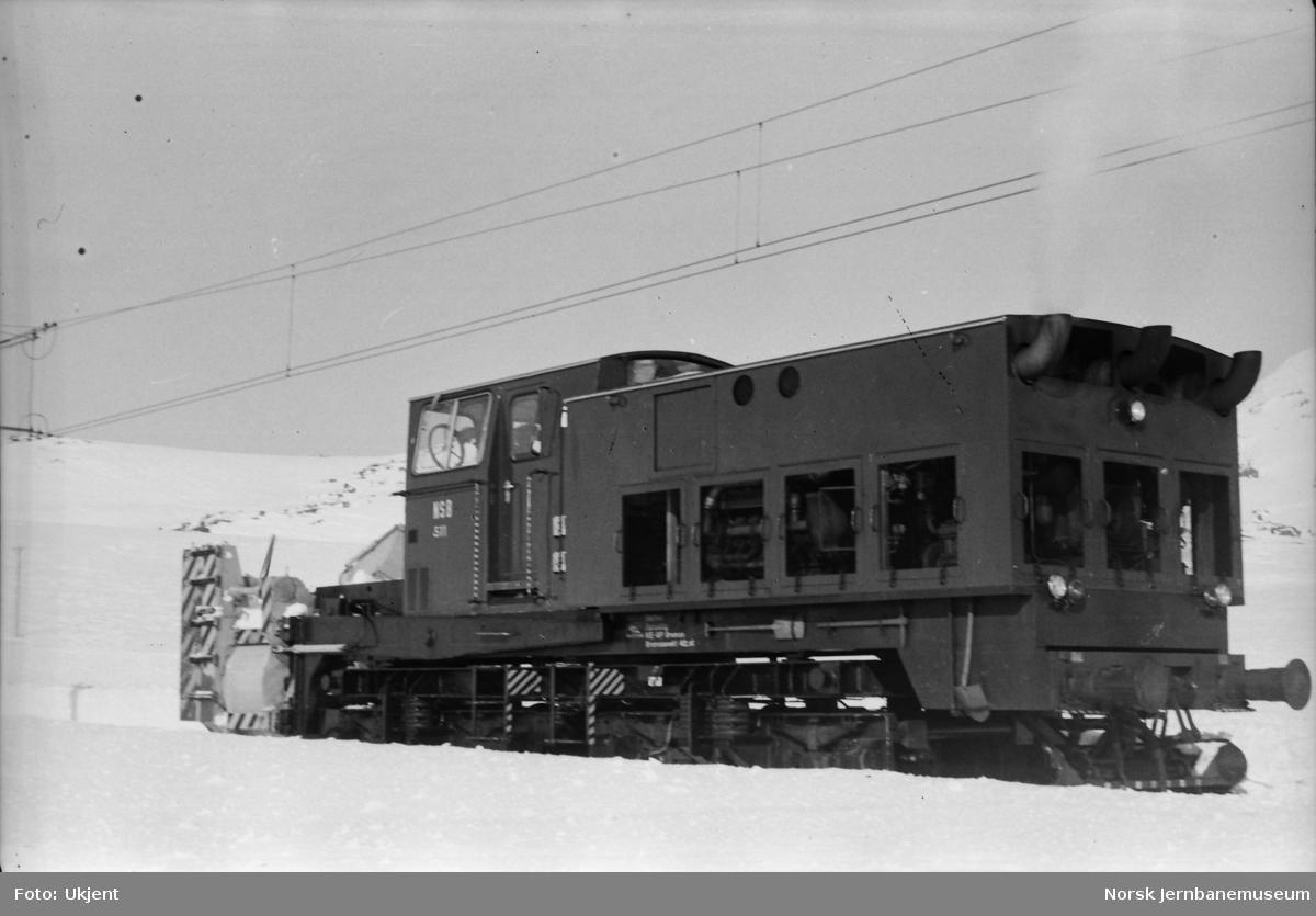 Roterende snøplog DiR3 nr. 511 på Bergensbanen